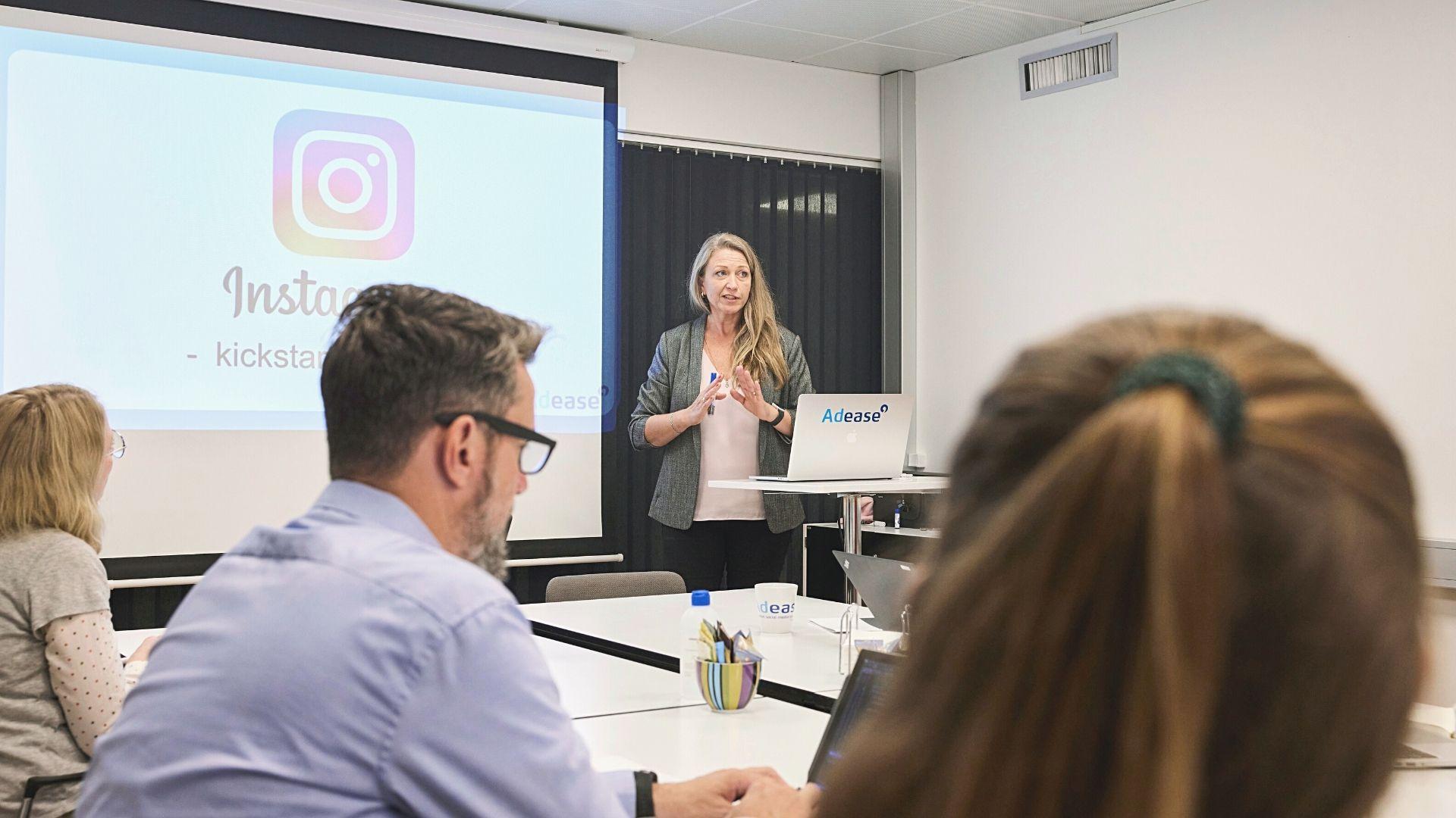 bestil en tilpasset workshop så du selv kan håndtere din Facebook, Instagram eller LinkedIn profil